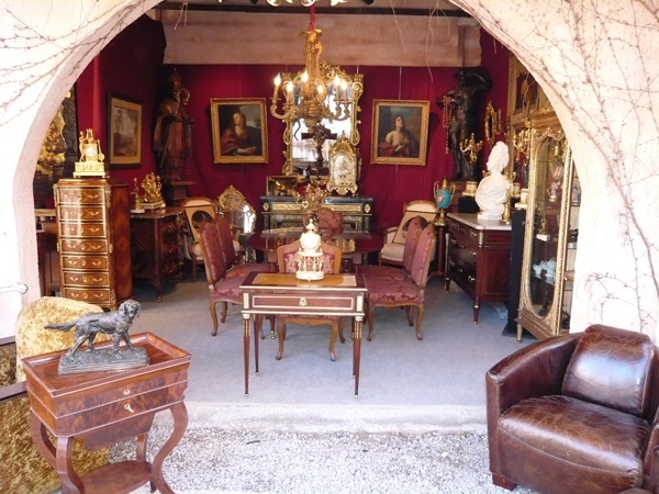 salon antiquaire mandelieu la napoule 06 mandelieu la napoule salon antiquite brocante achat. Black Bedroom Furniture Sets. Home Design Ideas